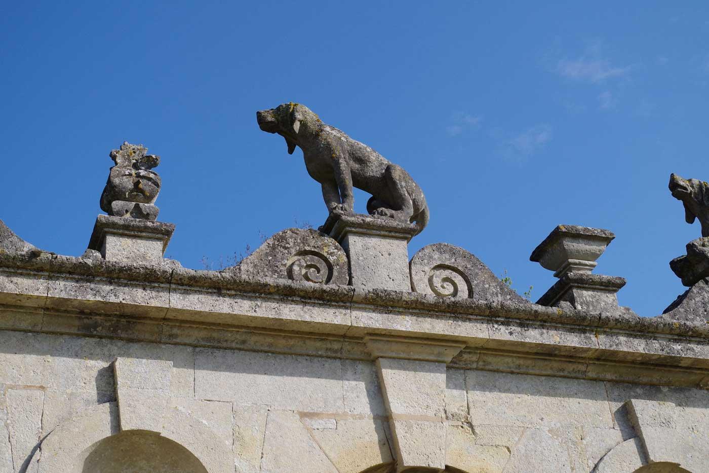 chien haie château Raray